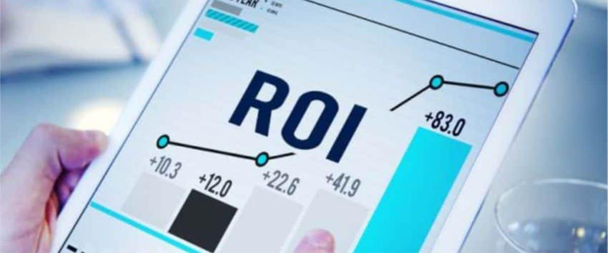 ROI thường được định nghĩa là tỷ lệ lợi nhuận ròng trên tổng chi phí đầu tư.
