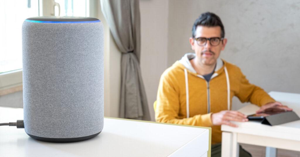 Alexa được tích hợp vào thiết bị Echo của amazon